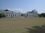 Le palais présidentiel en 2012. Aujourd'hui, le lieu a été intégralement rasé et déblayé. Il ne reste plus rien de ces ruines.