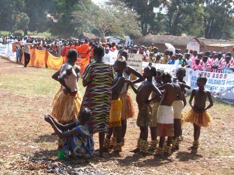 Danseuses traditionnelles en RCA, Sibut, 2010